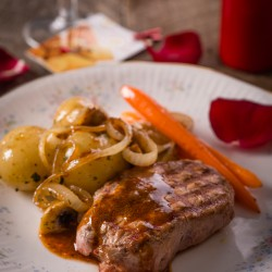 Fillet Steak & Red Wine Sauce recipe