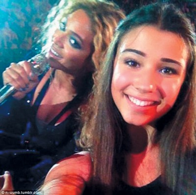 Beyonce-and-fan-