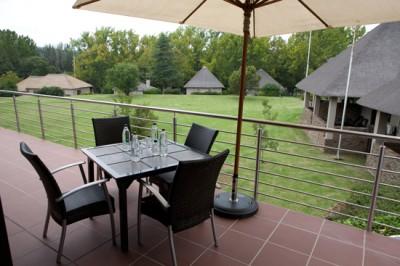 Lunch-outside-