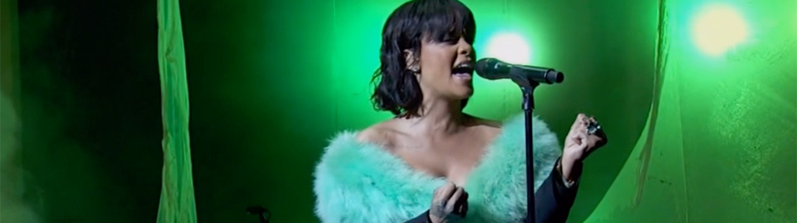 Here's the Rihanna performance that everyone's talking about