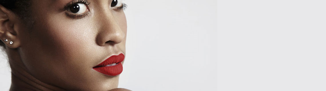 How to properly apply matte lipstick