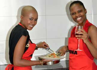 Cooking chicken curry with Nomuzi Mabena