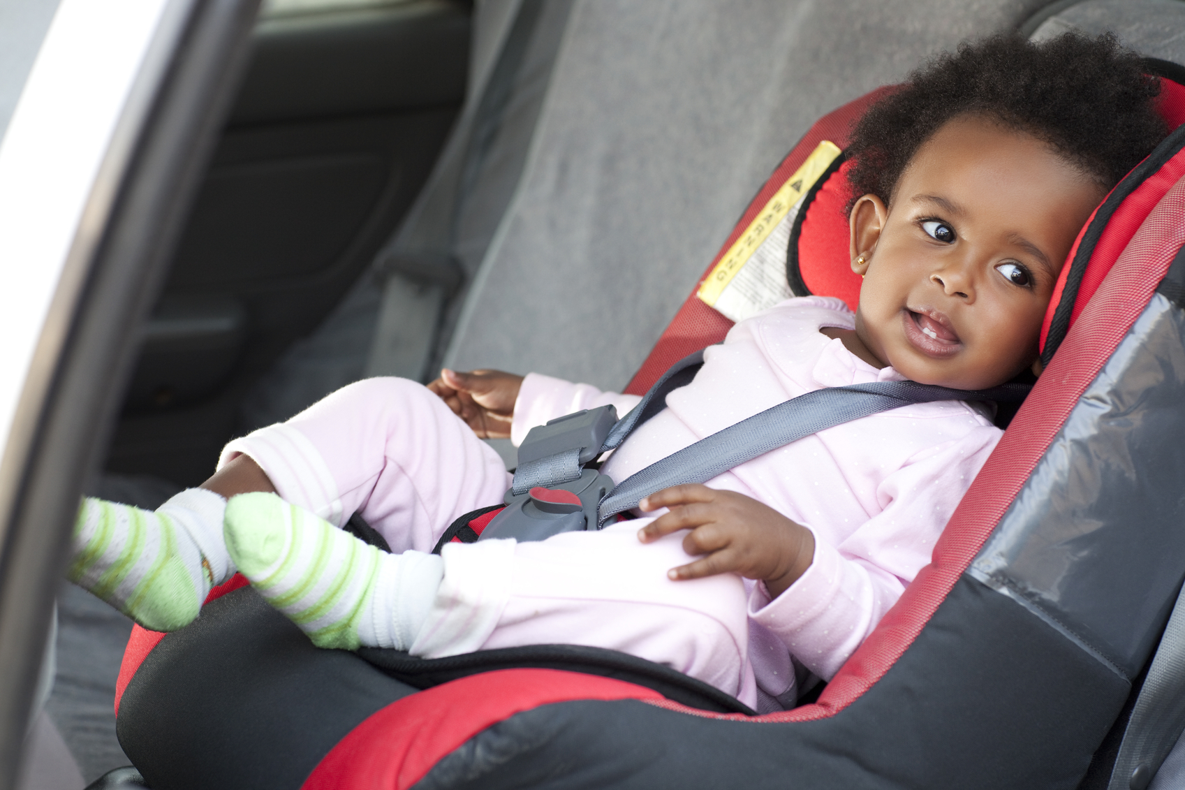 How To Properly Strap Your Child In A Car Seat Bona Magazine