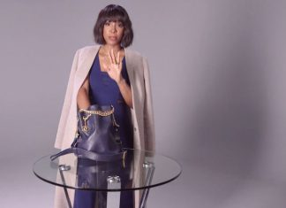 WATCH: Here's what's inside Kelly Rowland's handbag