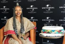 Simphiwe Dana signs to Universal Music