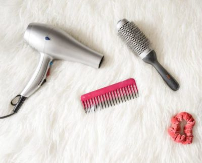 hairdrer 400x323 - 6 mistakes you probably make when blow-drying your hair