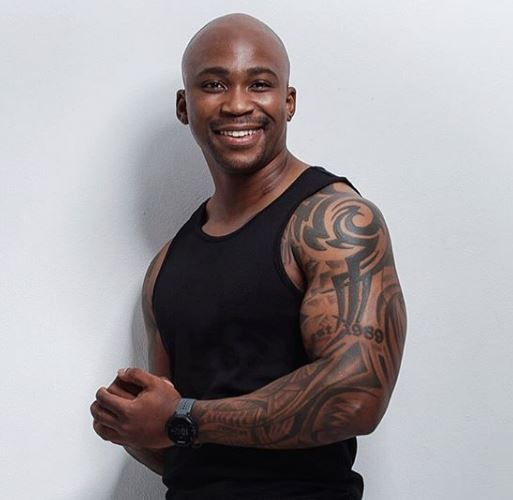 NaakMusiQ's parents dance to his new song